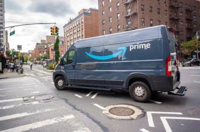 Amazon electronic delivery van