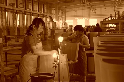 """""""Making it"""" in China – The Factory Workers that Make Your Products"""