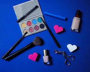 cosmetics packaging brand