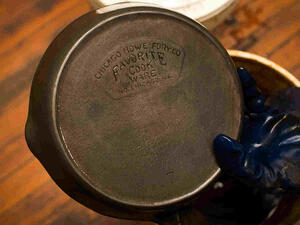 Cast iron cookware manufacturing